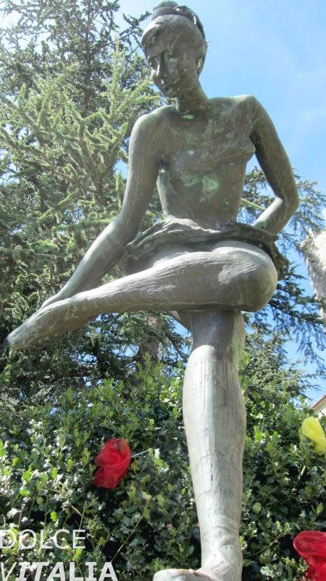 San Marino, ballerina sculpture